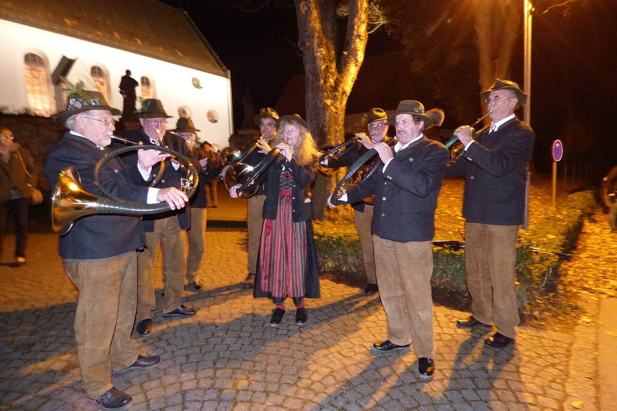 Jagdliches Konzert der BJV-Jagdhornbläser vor der ST. Ulrichs-Kirche